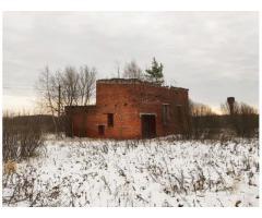 Нежилое кирпичное здание в с. Мелешино
